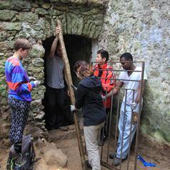 chantier de bénévoles au petit moulin des vaux de cernay